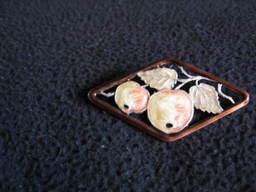 Button_lady_shawl_020